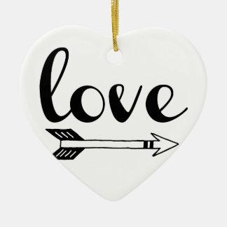 Conception de flèche d'amour ornement cœur en céramique