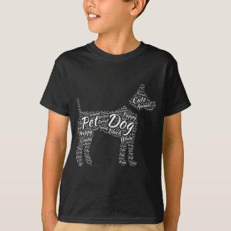 Conception de T-shirt de chien de nuage de mot