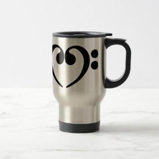Conception élégante de coeur de clef basse de mug de voyage