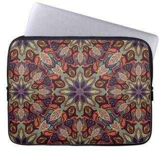 Conception florale de motif d'abrégé sur mandala housse pour ordinateur portable
