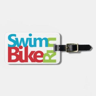 Conception fraîche de triathlon étiquettes bagages