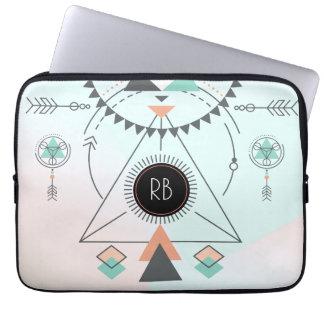 Conception géométrique colorée tribale de totem trousse pour ordinateur portable