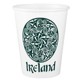 Conception ronde de médaillon irlandais celtique gobelets en papier