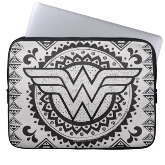 Conception tribale spirituelle de femme de housse pour ordinateur portable