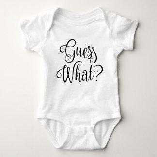 Conjecture quel faire-part   de grossesse de bébé body