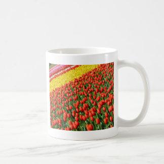 Copie colorée de ferme de tulipe mug