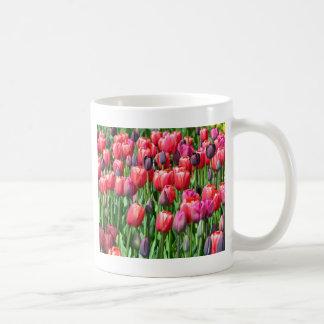 Copie rose et pourpre de jardin de tulipe mug