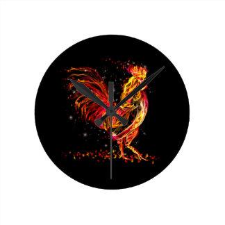Coq du feu. Conception animale flamboyante de cool Horloge Ronde