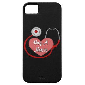 Coque Barely There iPhone 5 Étreignez une infirmière