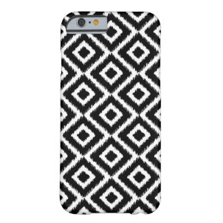 Coque Barely There iPhone 6 Diamants noirs et blancs d'Ikat