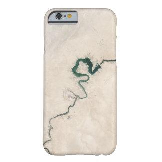 Coque Barely There iPhone 6 Fente d'antenne de rivière de désert