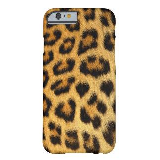 Coque Barely There iPhone 6 Le léopard a repéré la fourrure de Faux,
