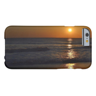 Coque Barely There iPhone 6 Lever de soleil à la plage par Shirley Taylor