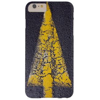 Coque Barely There iPhone 6 Plus Flèche jaune criquée sur une route