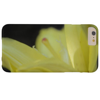 Coque Barely There iPhone 6 Plus Lis jaune par Shirley Taylor