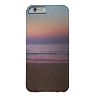 Coque Barely There iPhone 6 Une soirée sur une plage