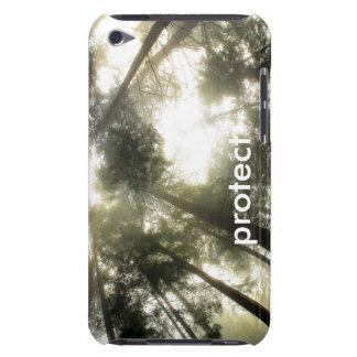 Coque Barely There iPod La communion de forêt se protègent