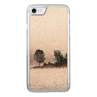Coque Carved iPhone 8/7 Arbres noirs et blancs rustiques en brume
