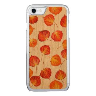 Coque Carved iPhone 8/7 Feuille d'automne assez rustique