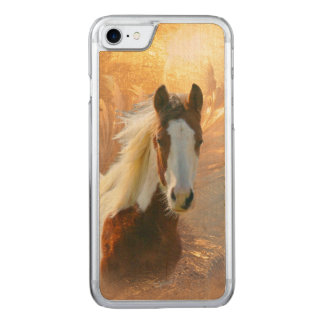 Coque Carved iPhone 8/7 Peignez le cheval en bois