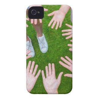 Coque Case-Mate iPhone 4 Dix bras des enfants en cercle avec des paumes des