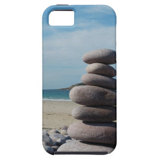 Coque Case-Mate iPhone 5 Sculpture en caillou sur une plage