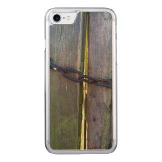 Coque En Bois iPhone 7 Chaîne sur le bois