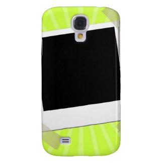 Coque Galaxy S4 attaché du ruban adhésif sur l'arrière - plan vert