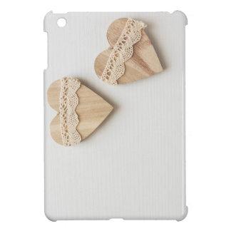 Coque iPad Mini deux coeurs en bois