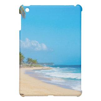 Coque iPad Mini Plage tropicale tranquille. Ressacs, cieux bleus