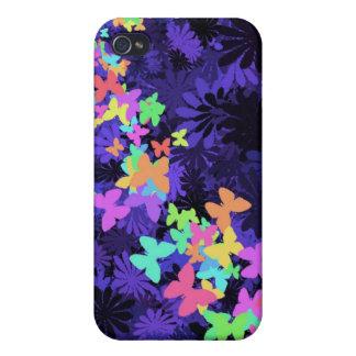 Coque iPhone 4/4S Papillons colorés sur le bleu