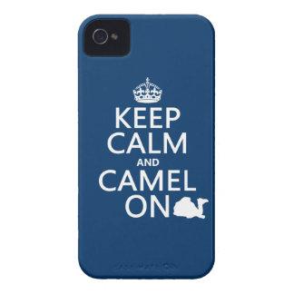Coque iPhone 4 Gardez le calme et le chameau sur (toutes les