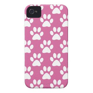Coque iPhone 4 Motif rose et blanc de pattes de chiot