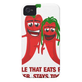 Coque iPhone 4 Un couple qui mange des poivrons ensemble reste