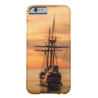Coque iPhone 6 Barely There Bateau sur la mer au cas de téléphone portable de