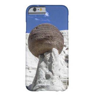 Coque iPhone 6 Barely There Boule équilibrée de roche