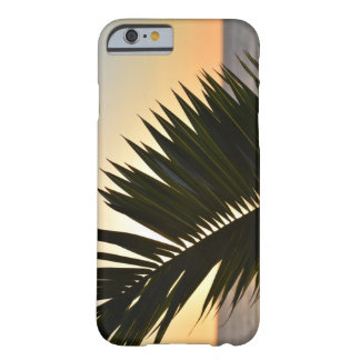 Coque iPhone 6 Barely There Coucher du soleil derrière un cas en feuille de