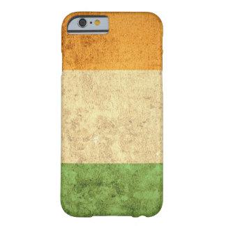 Coque iPhone 6 Barely There Drapeau de l'Irlande - grunge