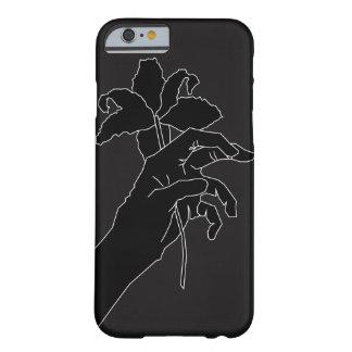 Coque iPhone 6 Barely There Main noire de fleur
