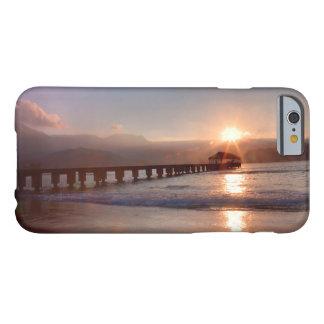 Coque iPhone 6 Barely There Pilier de plage au coucher du soleil, Hawaï
