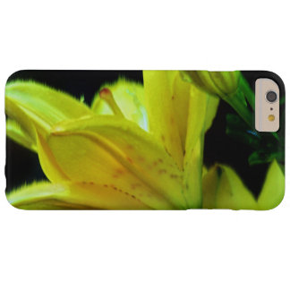 Coque iPhone 6 Plus Barely There Lis jaune avec l'effet de vent par Shirley Taylor