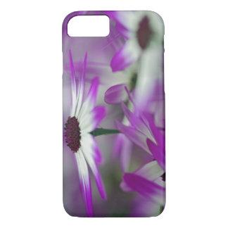 Coque iPhone 7 Plan rapproché de fleur pourpre, jardin de