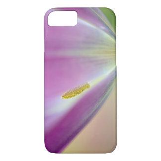 Coque iPhone 7 Plan rapproché du dessous de la fleur de tulipe,