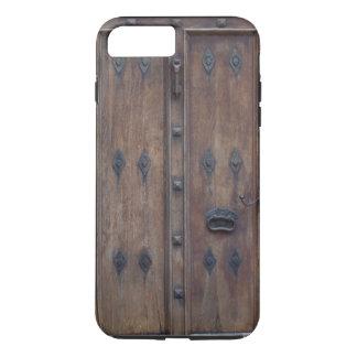 Coque iPhone 7 Plus Vieille porte en bois espagnole avec des boulons