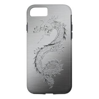 Coque iPhone 7 Regard balayé par dragon vintage en métal