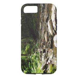 Coque iPhone 7 Rivière dans le bois