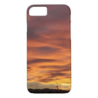 Coque iPhone 7 Tour hertzienne de coucher du soleil