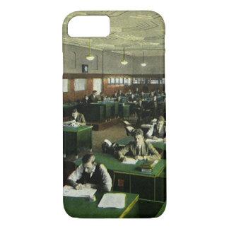 Coque iPhone 8/7 Affaires vintages, journalistes dans le bureau de