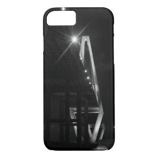 Coque iPhone 8/7 Au-dessous de la gamme de gris d'Arthur Ravenel