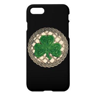 Coque iPhone 8/7 Le shamrock beige sur le Celtic noue la caisse de